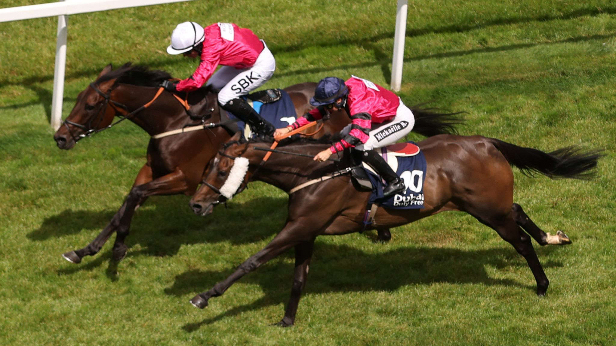 Nicola Currie winning the Sherger Cup Stayers Race